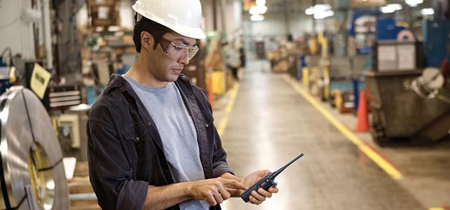 A radiocomunicação é uma ferramenta que auxilia na integração das equipes de trabalho