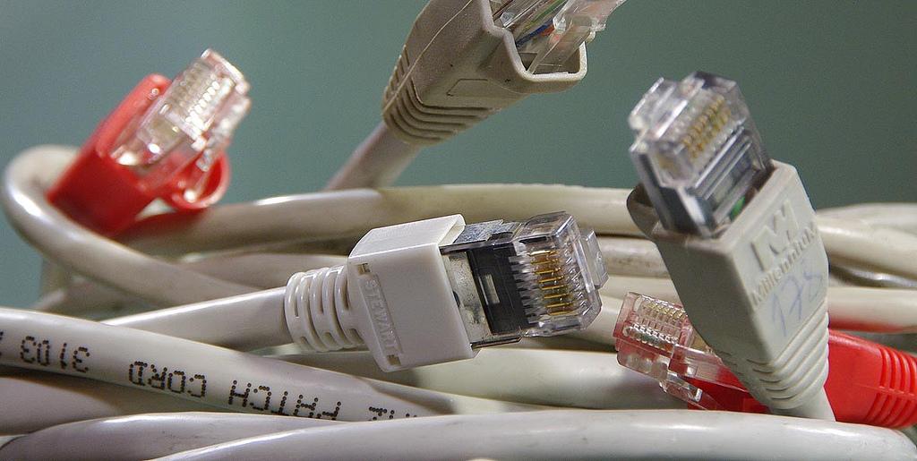 Banda larga móvel continua crescendo. Mas seu alto preço faz com que as pessoas ainda prefiram a branda larga fixa.