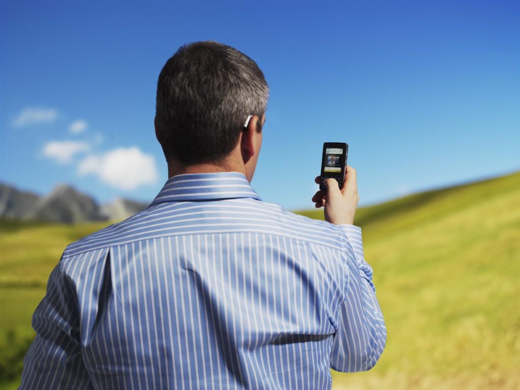Telefonia móvel é o bem de consumo mais desejado pelos brasileiros