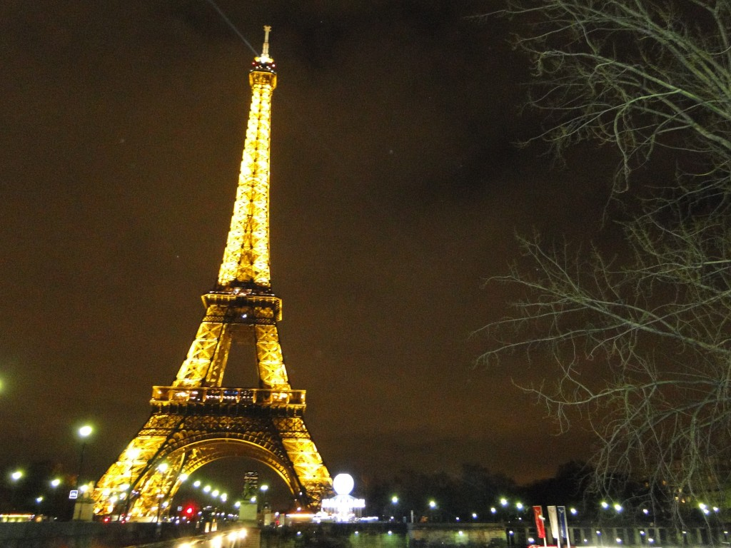 Torre Eiffel: plano original era de que a torre ficasse exposta apenas 20 anos.