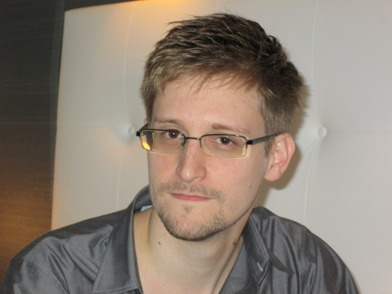 Estima-se que quase um milhão de pessoas trabalhem em atividades de espionagem cibernética só nos EUA, segundo informações da imprensa mundial.